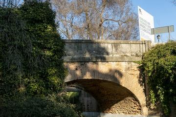 Puente del Camino de Madrid sobre el Arroyo Nacedero